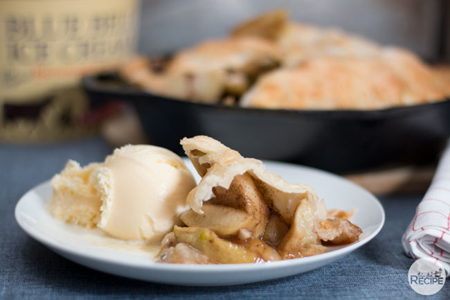 Easy Cast Iron Apple Pie
